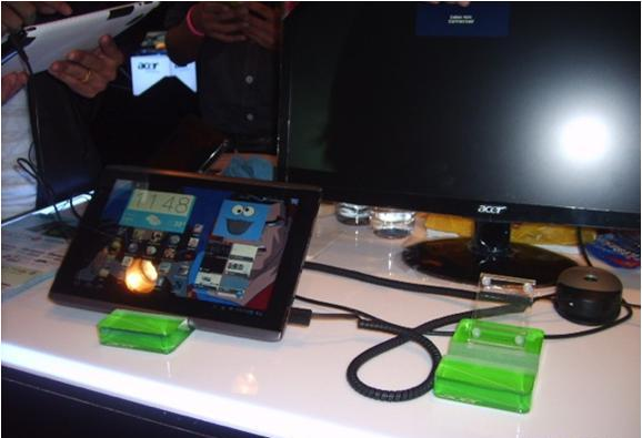 Стенд Acer: защита от краж и презентация планшетных компьютеров. Используемые противокражные системы - inVue POD Module