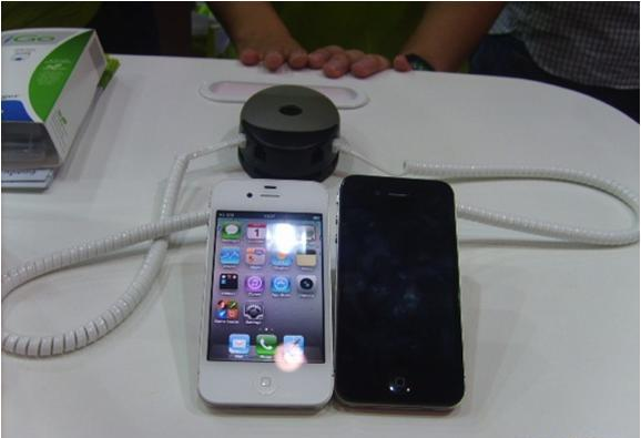 Cтенд AIS: защита от краж и презентация мобильных телефонов и планшетных компьютеров. Используемые противокражные системы - inVue POD Module