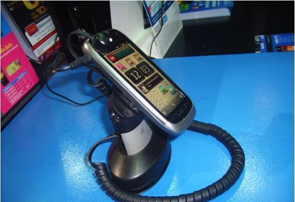 Cтенд NOKIA: защита мобильных телефонов. Используемые противокражные системы - противокражные стенды inVue Series 900 Stands