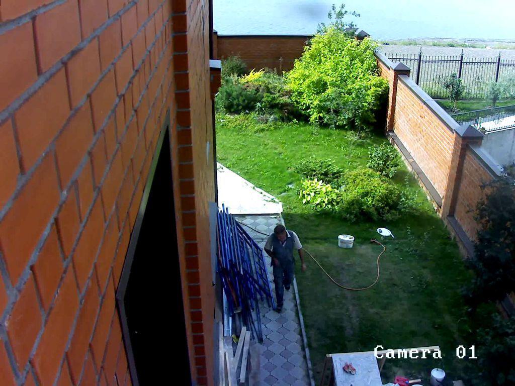2.0 мегапиксельная IP видеокамера DS-2CD852MF-E